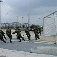 Γιατί ο Μητσοτάκης μετακινεί τους παράνομους μετανάστες στο εσωτερικό της χώρας, αντί να τους απελάσει;