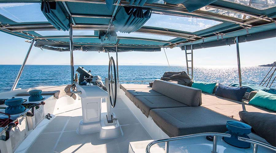 LUCKY CLOVER - Crewed Charter Catamaran Greece - Hellas Yachting