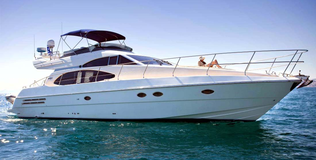 CHARTER-GREECE-MOTOR-YACHT-JOHNGINA-ELEANA