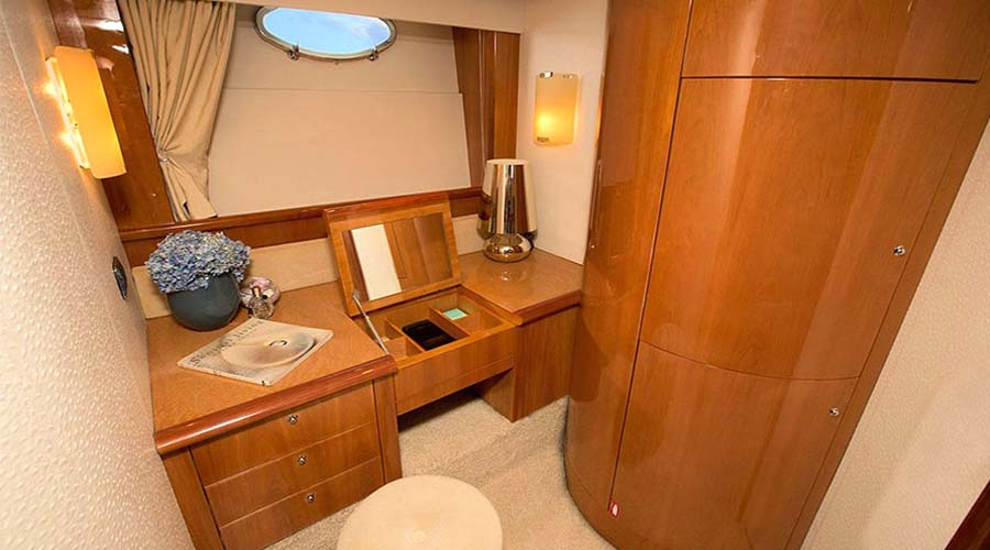CHARTER-GREECE-MOTOR-YACHT-MYJOY-12