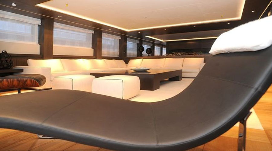 LUXURIOUS-YACHT-CHARTER-AQUA-12