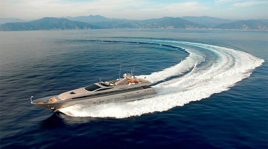 LUXURIOUS-YACHT-CHARTER-AQUA-2
