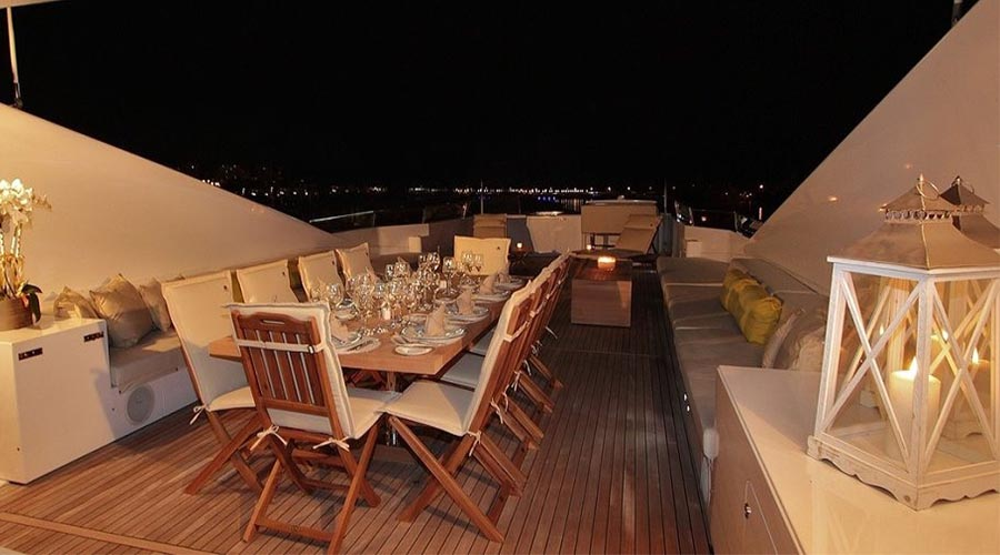 LUXURY-YACHT-CHARTER-GREECE-MABROOK-22