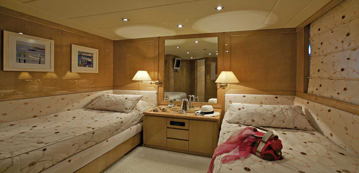 LUXURY-YACHT-LADY-ELLEN-23