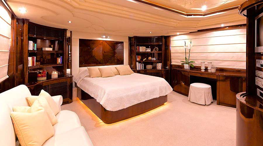 LUXURY-YACHT-LE-IT-BE-23