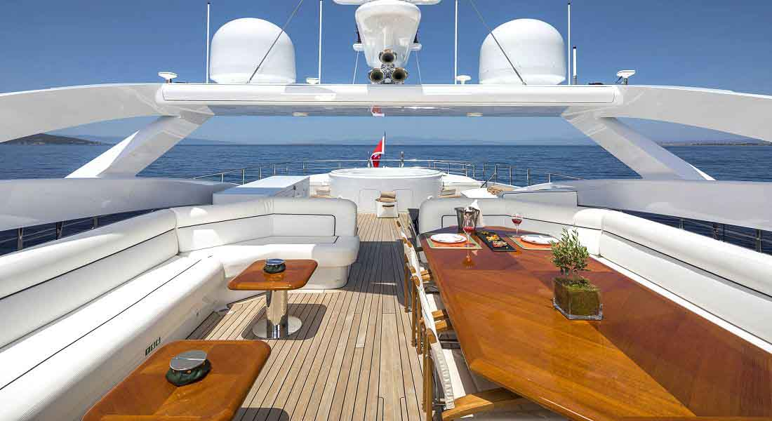 LUXURY-YACHT-L'EQUINOX-15