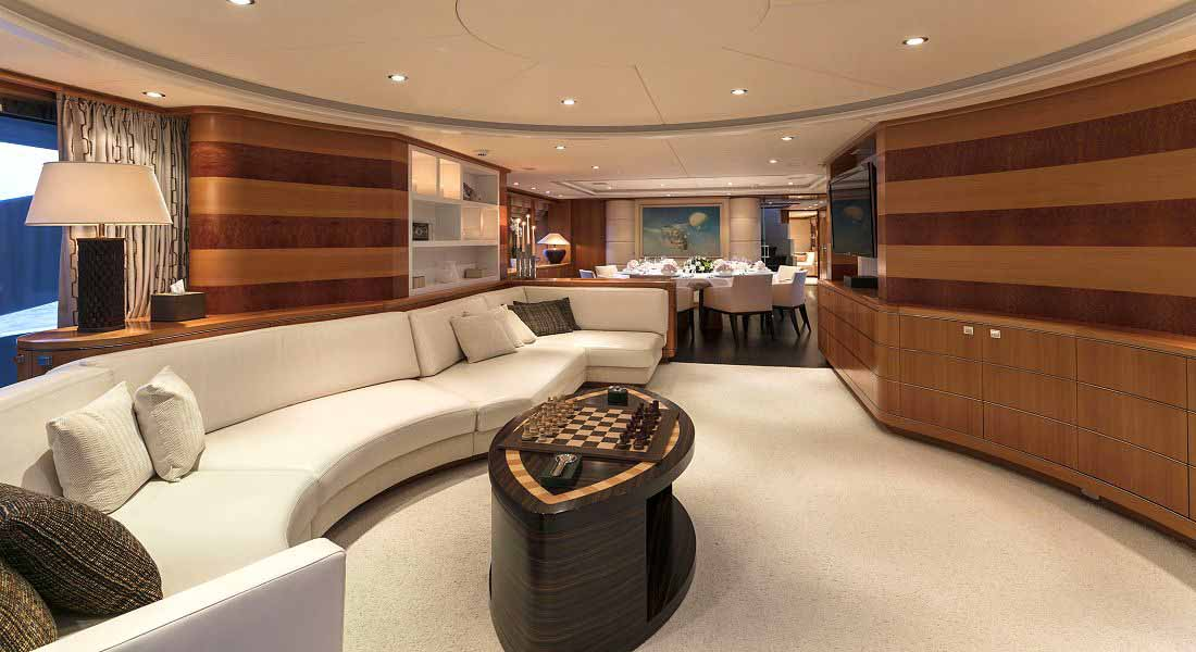 LUXURY-YACHT-L'EQUINOX-19