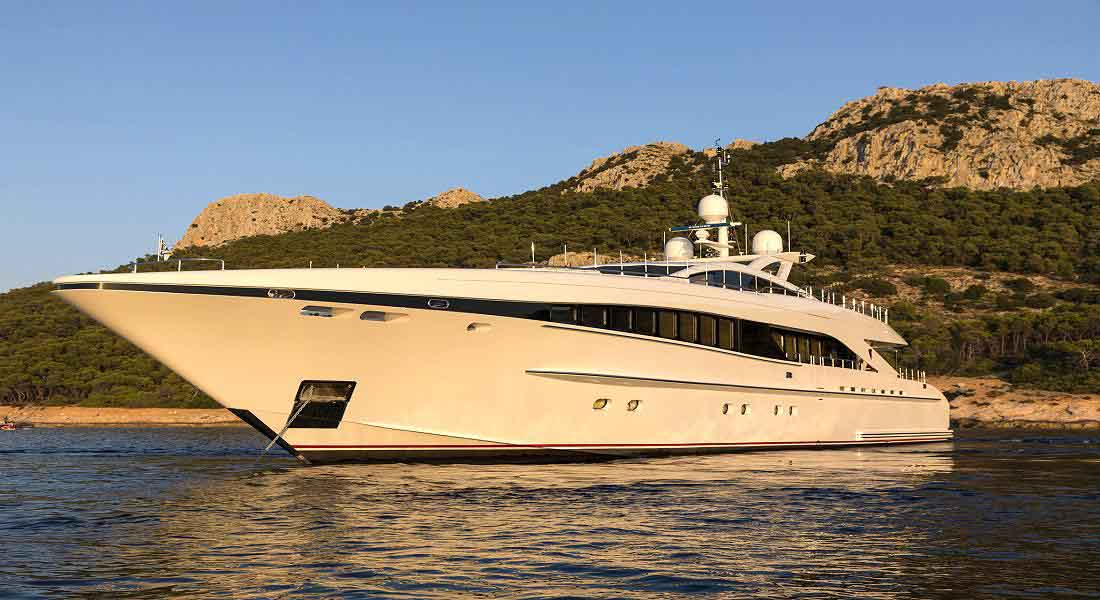 LUXURY-YACHT-L'EQUINOX-6