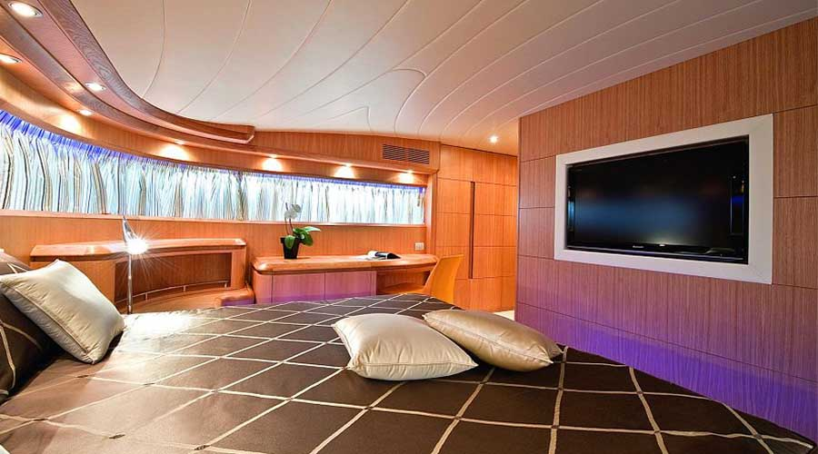 LUXURY-YACHT-PARIS-15