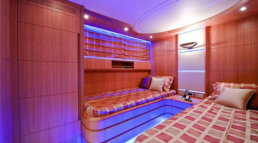 LUXURY-YACHT-PARIS-17
