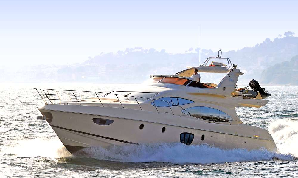 ALMAZ - Charter Motor Yacht in Greece - HELLAS YACHTING