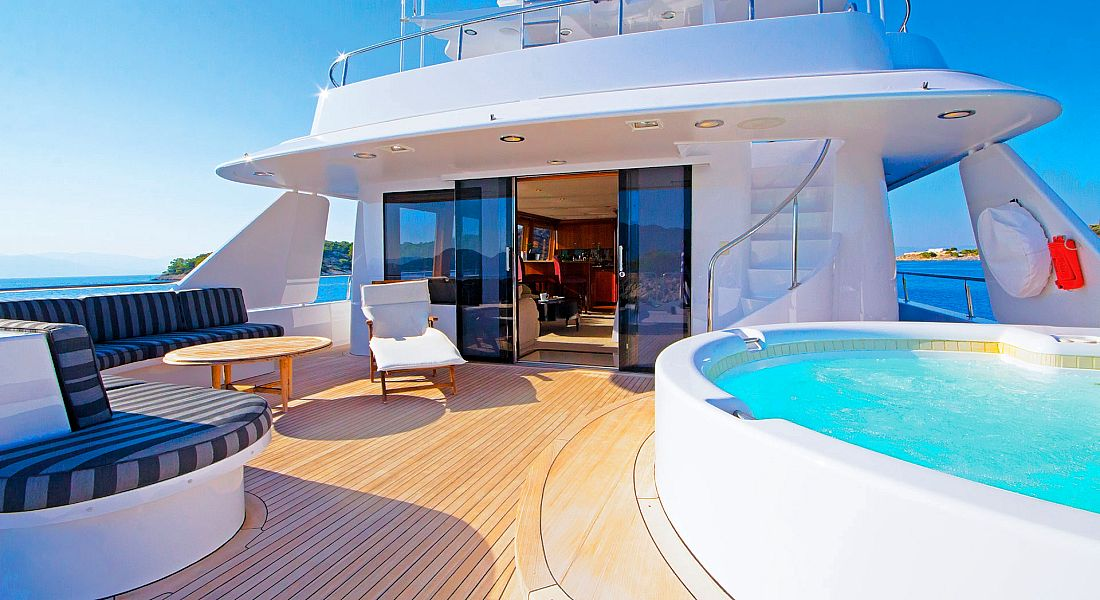 ENDLESS SUMMER - Luxury Yacht for Charter in Greece - HELLAS YACHTING