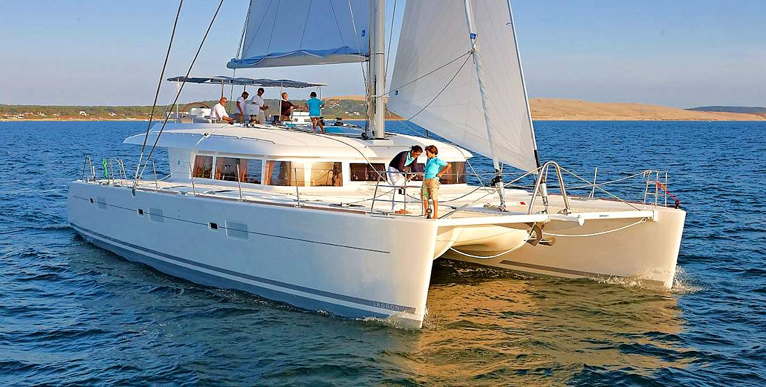 PHANTOM - Crewed Charter Catamaran in Greece - HELLAS YACHTING