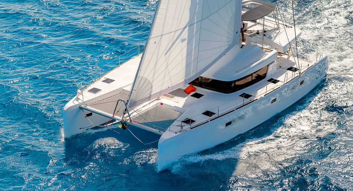 SUMMER STAR - Crewed Catamaran Charter in Greece - HELLAS YACHTING