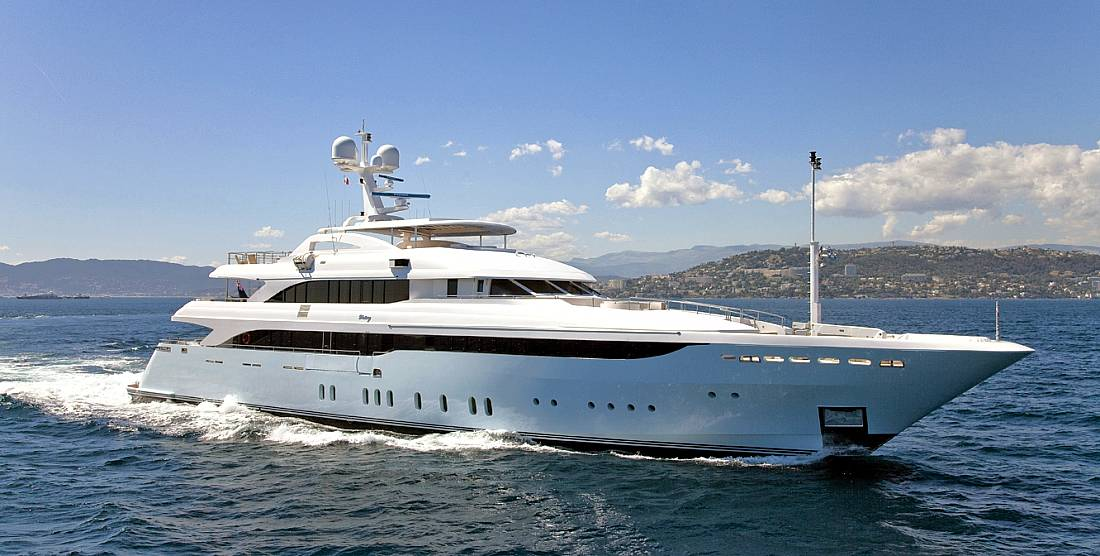 VERTIGO - Motor Yacht Charter in Greece - HELLAS YACHTING