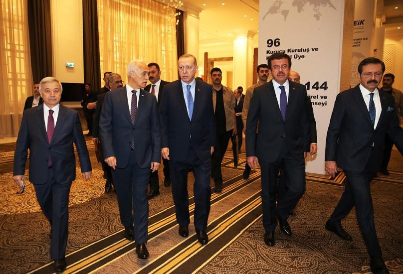 """Μια γροθιά τα κόμματα απέναντι στους εκβιασμούς Ερντογάν: """"Μάθε τι εστί κράτος δικαίου"""""""