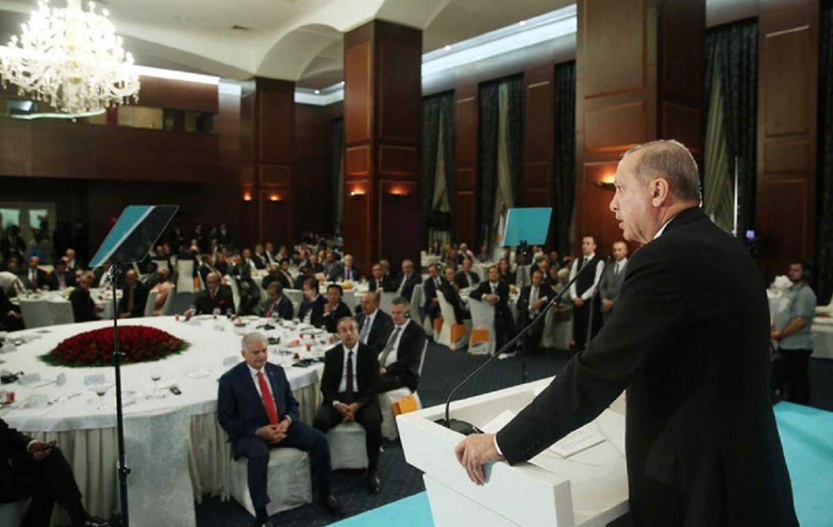 Άτακτη υποχώρηση Ερντογάν: Αύξηση επιτοκίων για να σταματήσει ο κατήφορος της λίρας