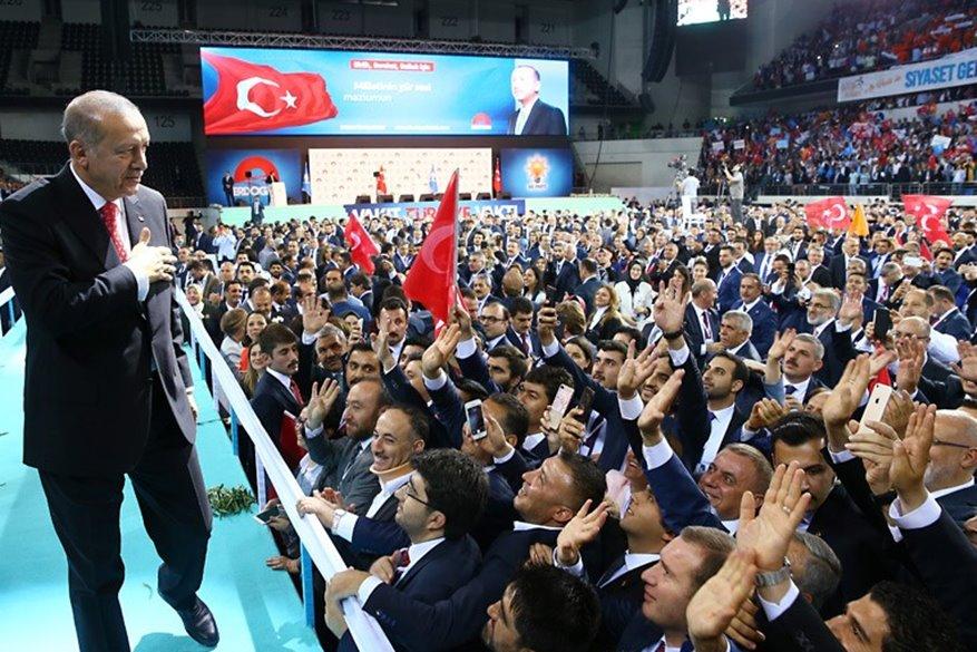 Κάντε τα δολάρια και τα ευρώ, τουρκικές λίρες, είπε ο Ερντογάν: Θα μας το πληρώσει ο Σόρος