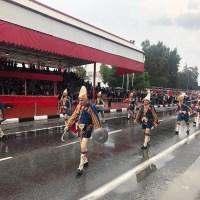 Γελοιοποιήθηκε ο Μουσταφά Ακιντζί: Με αμερικανικό Κάντιλακ σε στρατιωτική παρέλαση!