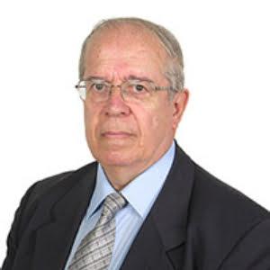 Ο Σταύρος Βαρδαλάς είναι ο διευθυντής της νομικής υπηρεσίας του Ελληνικού Ινστιτούτου Πολιτιστικής Διπλωματίας.
