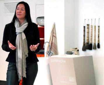 Representant fra DornBracht som selger kult baderomsutstyr.