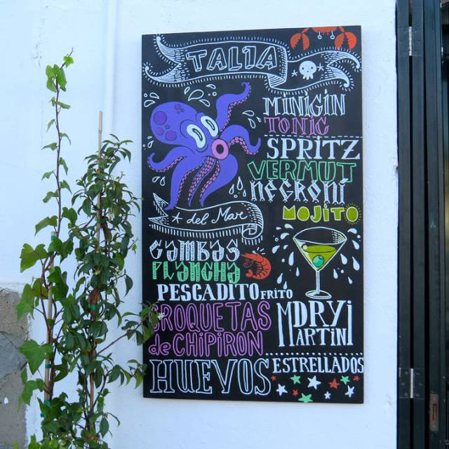 Et godt sted for en drink. Naboen til L'Estable og Es Cau.
