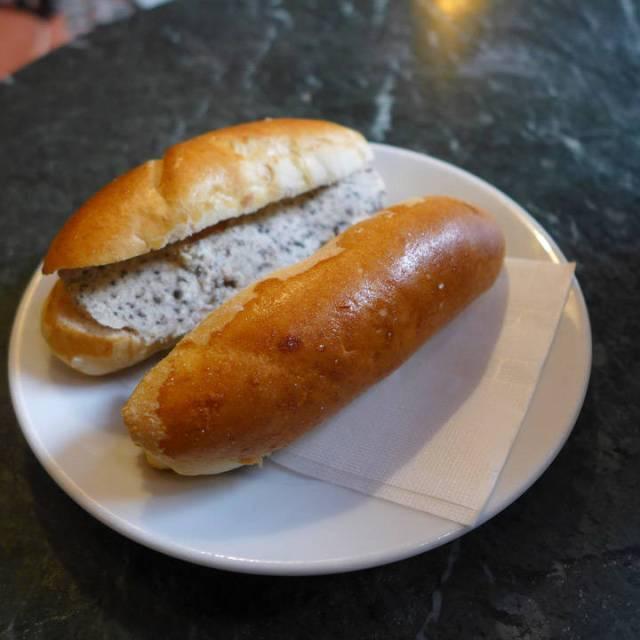 Panini med trøffelkrem og foie gras.