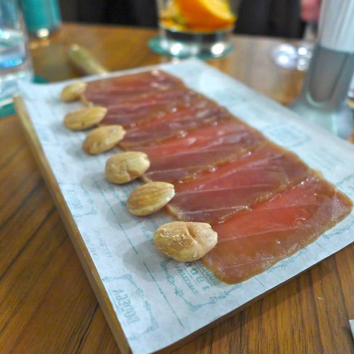 Tunfisk med mandler