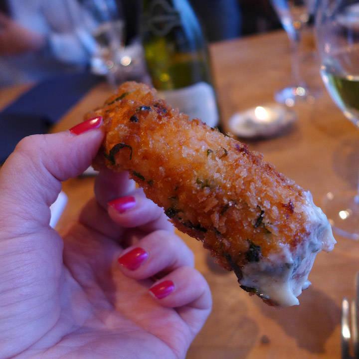 Disse sjøkrepshalene er noe av det beste jeg har spist. Crunchy på utsiden og søtt og saftig på innsiden.
