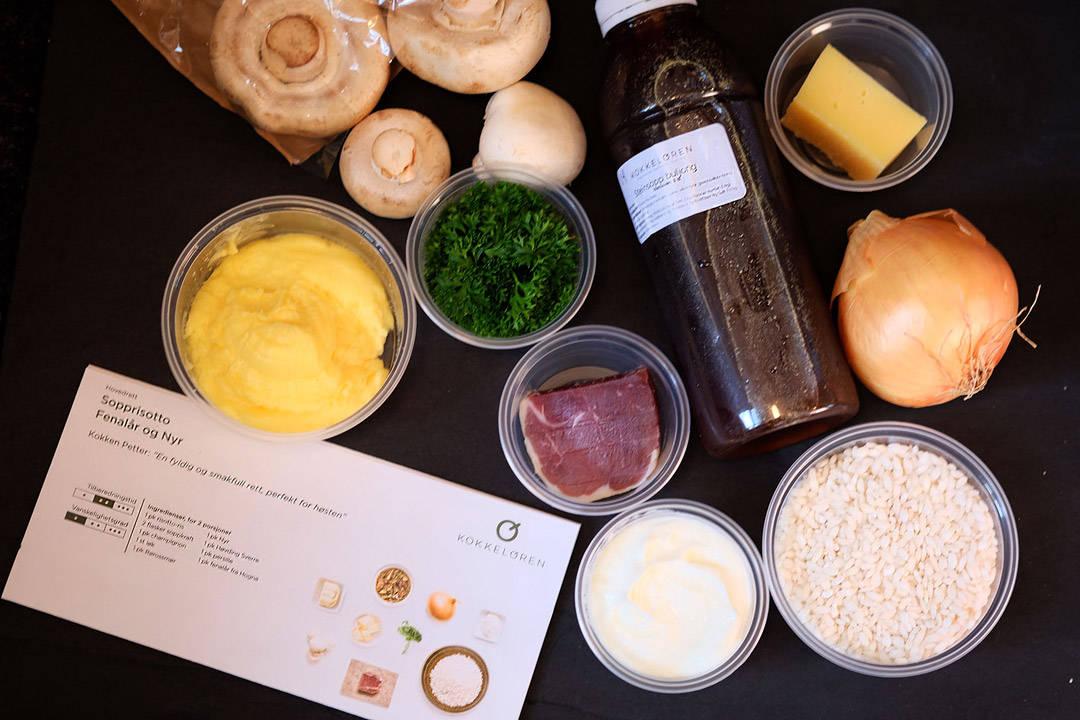 Ingrediensene til sopprisottoen.