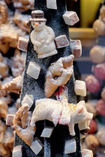 Hos Konditori La Glace er juledekorasjonen alltid en drøm for øyne og mage.