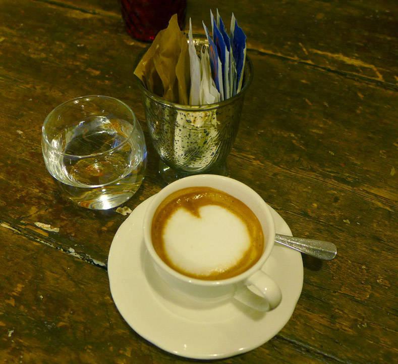 Litt kaffe må til. Ikke bare vin.
