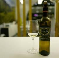 Deusa Nai Albarino 2015 fra Bodegas Marques de Cáceres koster kr 159.90. En supersaftig vin til en god pris.