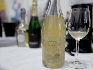 Pépière Muscadet Sevre et Maine Sur Lie 2015. Ny årgang, sertifisert økologisk vin som koster kr. 179,90. 100% Melon de Bourgon fra 40-50 år gamle vinstokker. Denne friske vinene passer til blåskjell.