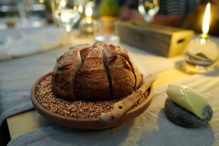 Fantastisk hjemmebakt brød på speltmel fra Labans Kvarn.