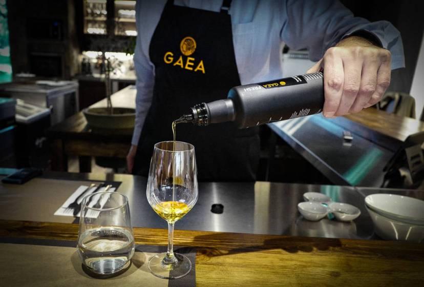 Grekere bosatt på Kreta drikker gjerne et lite glass extra virgin olivenolje hver dag for helsa.