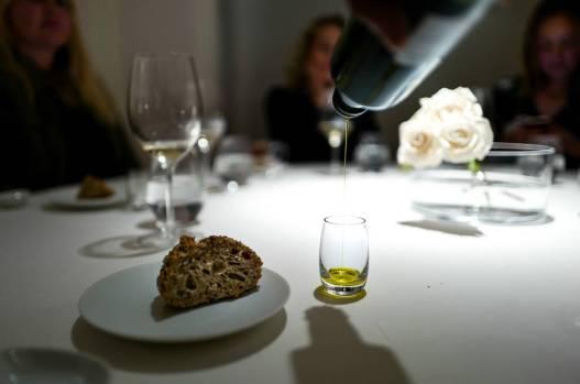 Brød og olivenolje.