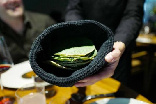 Maistortilla med hoja santa-blader