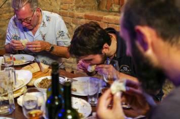Tbilisi_Georgia_amberwine_orangewine_helleskitchenL1480638Tbilisi_georgia_amber_wine_helleskitchen