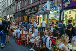 Frankfurt_germany_helleskitchenL1500374