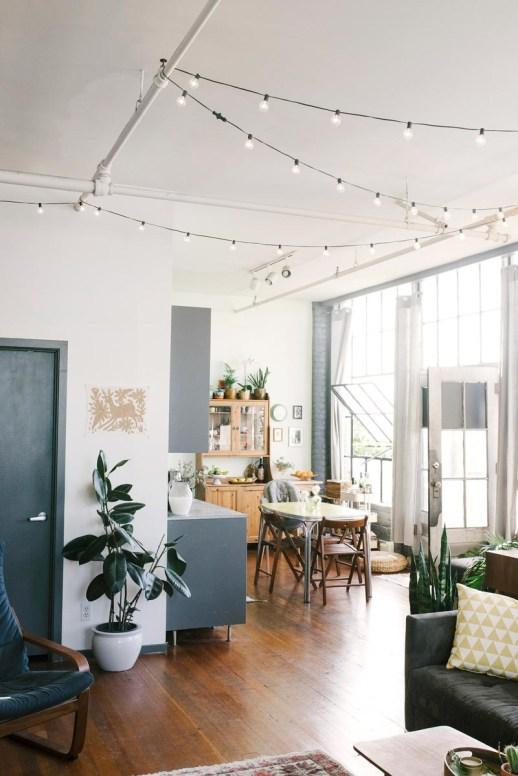 8 id es originales pour accrocher une guirlande chez soi - Comment accrocher une guirlande lumineuse au mur exterieur ...