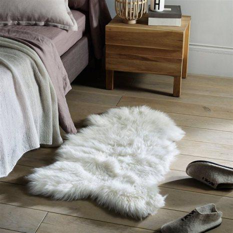 o trouver une peau de mouton. Black Bedroom Furniture Sets. Home Design Ideas