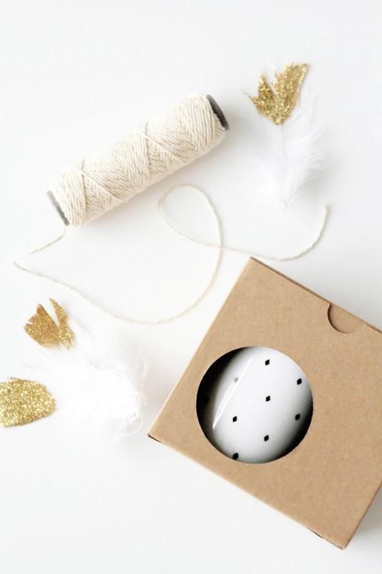 idee-paquet-cadeau-plume-glitter-kraft-dore-or-2