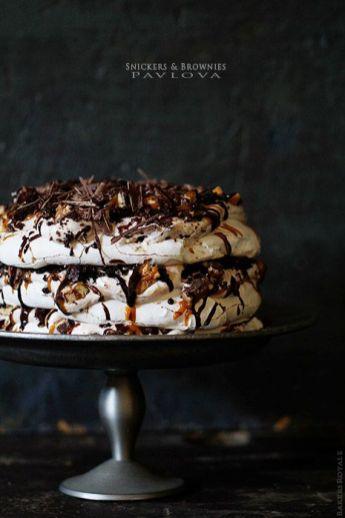 pavlova-snickers-brownie