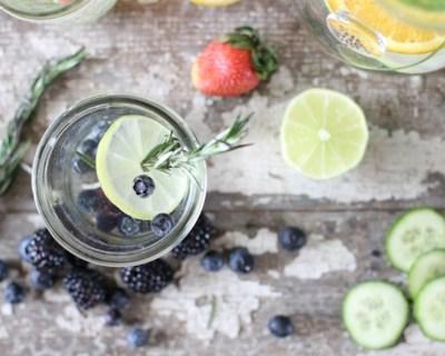 eau-infusee-aromatisee-sauge-myrtille