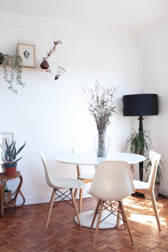 home-tour-appartement-parisien-vert-plantes-solene