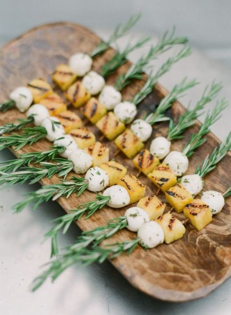 borchettes-ananas-mozarella-romarin