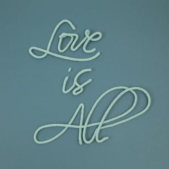love is all le petit florilège
