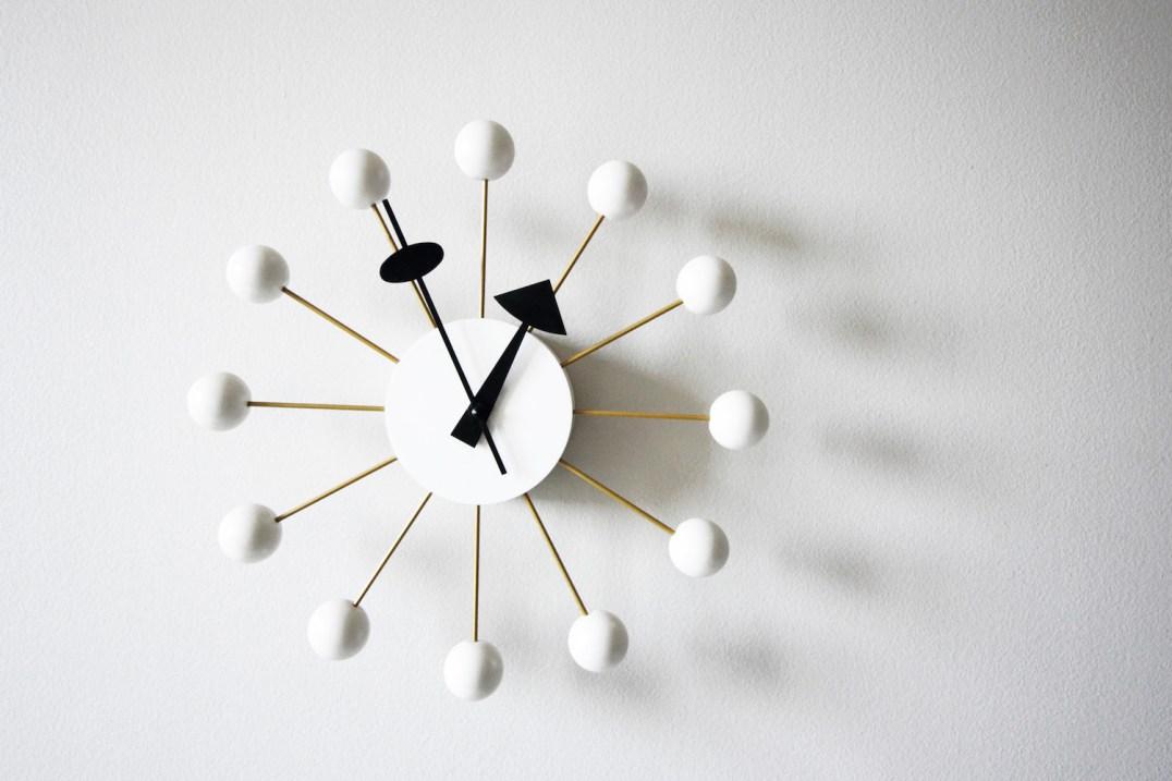 horloge Georges Nelson mid-century furniture / Hëllø Blogzine - www.hello-hello.fr