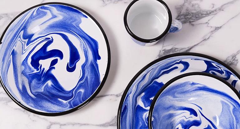 Bornn enamel bleu//Hëllø Blogzine blog deco & lifestyle www.hello-hello.fr